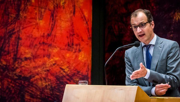 Minister Wiebes tijdens een debat in de Tweede Kamer Beeld anp