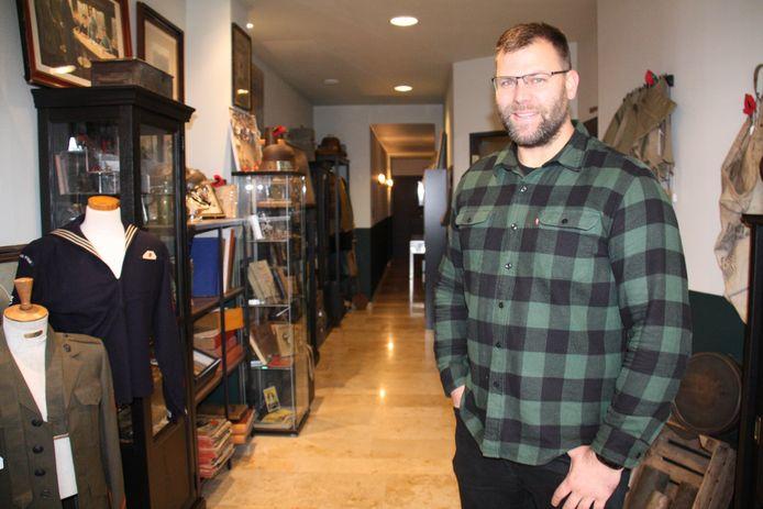 Michael Brinkmann opende in Dorp 3 in Alveringem Militaria Belgium.