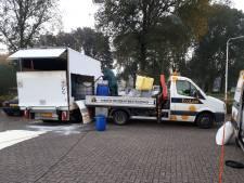Spoor van negen kilometer drugsafval leidt naar gedumpt busje in woonwijk in Nijmegen