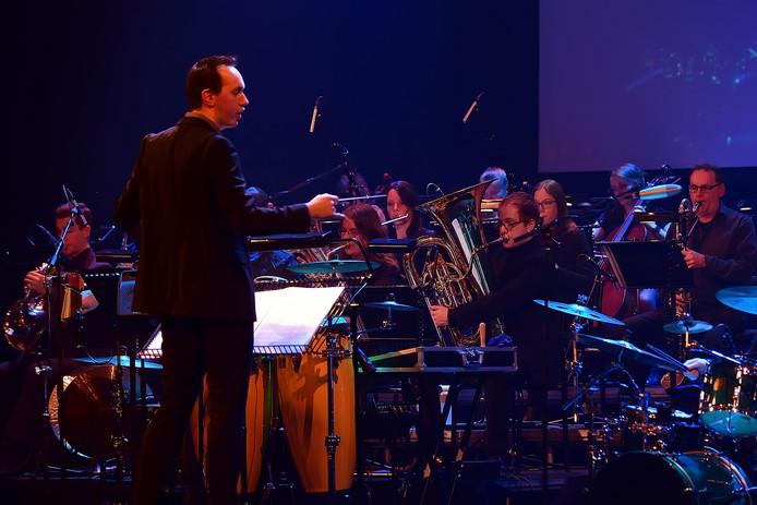 Grande finale van 750 jaar roosendaal in de kring.e muzikale leiding is in de handen van dirigent Bart van Gorp.. Foto Pix4Profs/Peter van Trijen