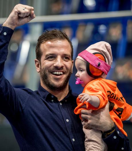 Van der Vaart maakt debuut als darter bij BDO-toernooi in Denemarken