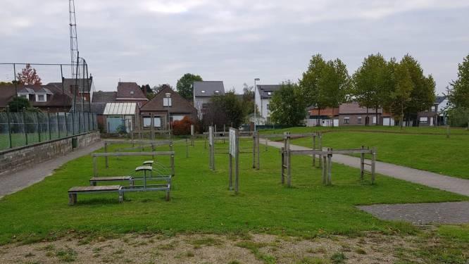 Jongen breekt beide polsen aan gebrekkige gemeentelijke sportinfrastructuur