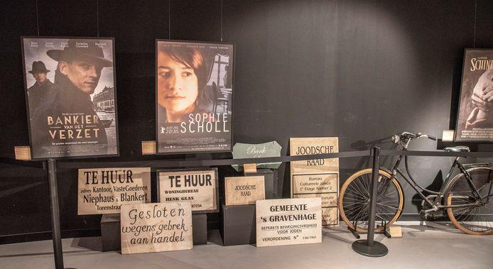 Een stukje van de tentoonstelling over de Tweede Wereldoorlog in films.