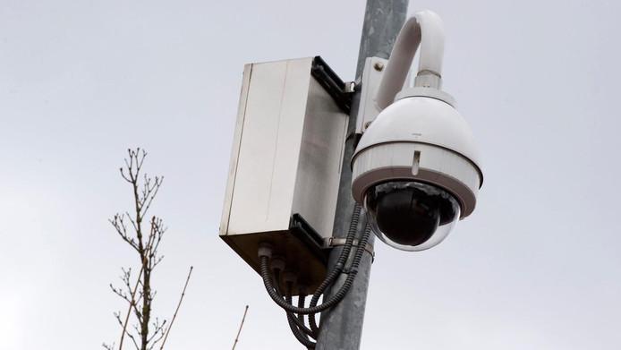 Het CDA wil meer camera's in Gouda na de tien autobranden die afgelopen weken plaatsvonden in de stad.