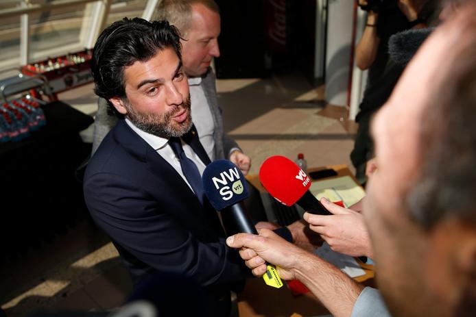 Mehdi Bayat, lors de l'assemblée générale, samedi, à Bruxelles