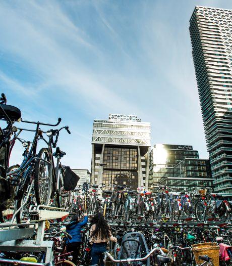 Weer tegenvaller van miljoenen voor megafietsenstalling bij Den Haag CS