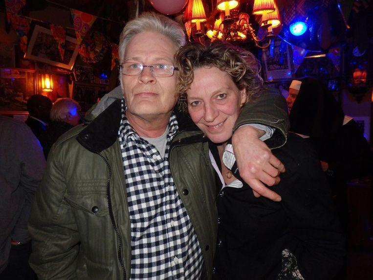 Bert Winnubst, de man van Diana, en Robine Winants, barvrouw van het eerste uur. 'Ik zeg altijd: de kroeg is geweldig, de bediening is kut' Beeld Schuim