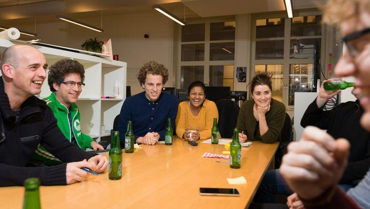 Vrijdagmiddag bij startup bedrijf Peerby in Amsterdam in het gebouw van Rockstart. Beeld Ivo van der Bent