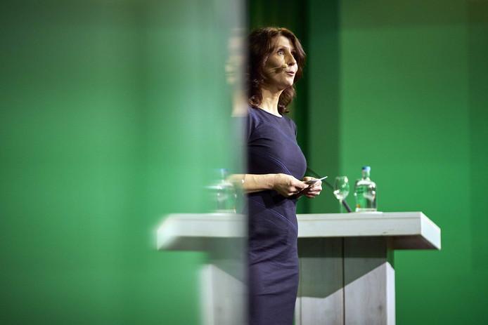 Esther Ouwenhand wil lijsttrekker worden van de Partij voor de Dieren. Dat maakte ze vandaag bekend tijdens het partijcongres in Amsterdam.