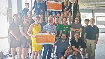 Kunstexpo schenkt inkomsten aan basisschool De Knipoog en jeugdvereniging Heiveld