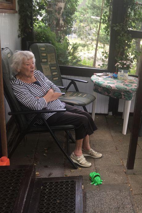 Na 49 jaar moet oma Sjaan (90) - met groot verdriet - haar plek op camping in Heerde verlaten: 'Hier zit zo veel liefde in'