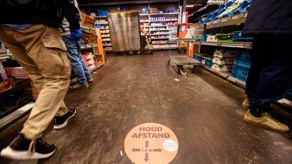 """Ook wie in supermarkt werkt is bang: """"We willen klanten vragen om achteruit te gaan, maar dat durven we niet altijd"""""""