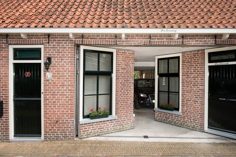 Dit is die duurste garage van Friesland. Beeld Els Zweerink / de Volkskrant