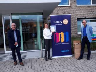 Rotary Club Aalter schenkt face shields aan Veilige Have