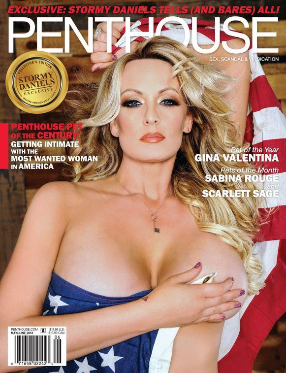 Een in de Amerikaanse vlag gehulde Stormy Daniels siert de cover van het blootblad Penthouse.