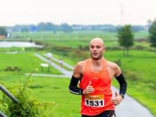 Gouwenaar Guido Stolle oefent stap voor stap voor eerste halve triatlon