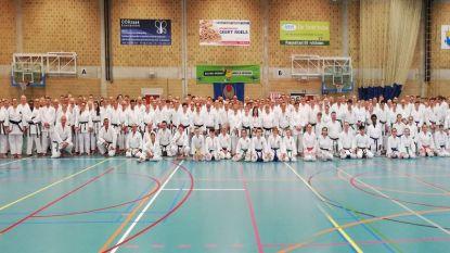 400 karateka's op de mat voor tweedaagse stage in sporthal De Ommegang