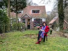 Jeanette kocht een droomhuisje in het bos, maar het is er net zo druk als in de Kalverstraat