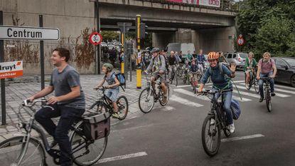 Fietsers manifesteren voor (betere) fietspaden