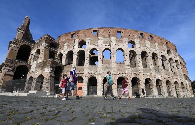 Archiefbeeld. Het Colosseum in Rome, een populaire toeristische trekpleister.
