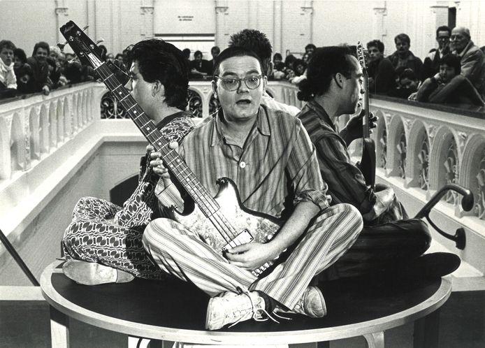 1986: MAM met Tom America in het Stedelijk Museum in Amsterdam