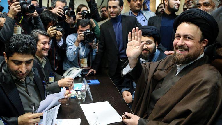 Hassan Khomeini, kleinzoon van ayatollah Ruhollah Khomeini, mag niet meedoen aan de stemming voor de Raad van Experts. Beeld getty