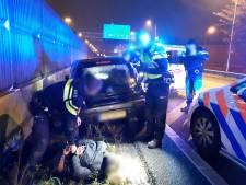A20 tijdelijk dicht door achtervolging op 27-jarige bestuurder zonder rijbewijs
