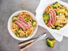Wat Eten We Vandaag: Noedels met biefstuk en broccoli