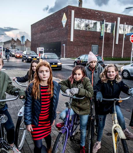 Buik vol van 'supergevaarlijke kruising' Baggermanlaan: 'Wij willen stoplichten'