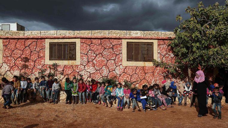 Syrische oorlogswezen in een opvanghuis nabij Sarmada. Beeld null