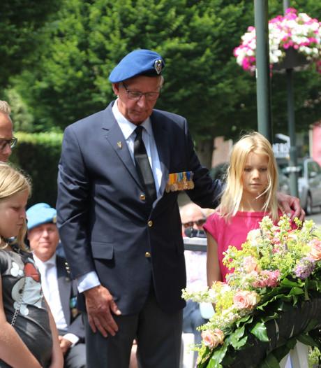 Waardering in Veghel voor veteranen met woorden en bloemen