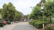 Auto's verboden in straat wanneer kleutertjes De Kleurdoos school verlaten