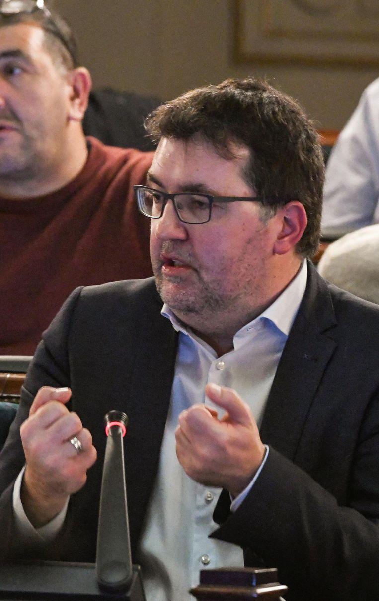 Wouter Van Besien (Groen) verdedigt zijn standpunt over meer transparantie.