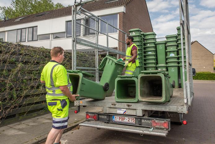Woensdag werden de oude groene containers opgehaald in delen van Goes.