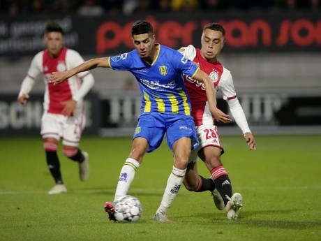 LIVE | Ajax leidt dankzij Tadic, Ten Hag wisselt Ziyech al vroeg