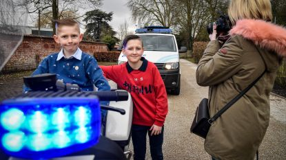 Communiefoto's bij combi en motor politie