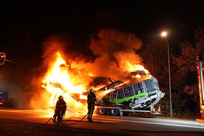 Vrachtwagen in brand in Dongen.