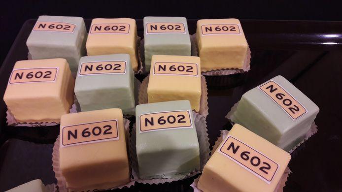 Het startsein voor de aanpak van de N602 verdiende een toepasselijk gebakje.