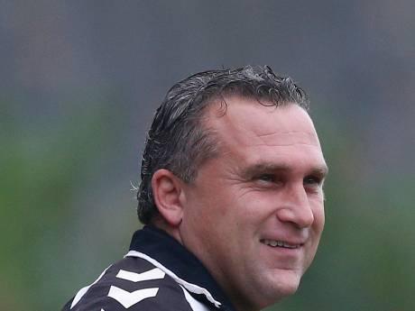 Voormalig AZSV-trainer Dennis van Toor na 'bizarre goal' verder in beker