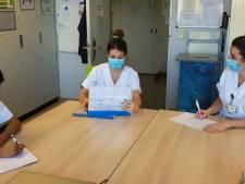 """Verpleegster Nathalie houdt hele week dagboek bij: """"De eerste keer de kamer van een coronapatiënt binnenstappen, is een drempel. Dan besef je dat dit is waarvoor je bent opgeleid"""""""