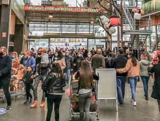 """Ondanks dramatische coronacijfers toch toeloop naar grootste tuincenter van België: """"Het was bij momenten drummen. Ik heb zelfs mijn dochter van vier een mondmasker opgezet"""""""
