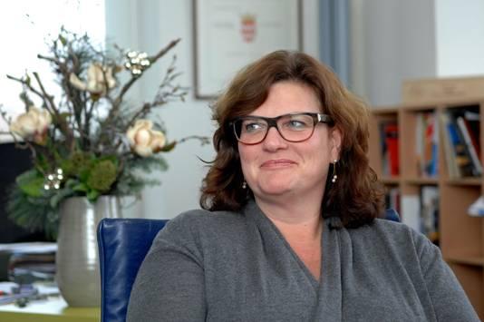 Burgemeester Marina Starmans van Dongen.