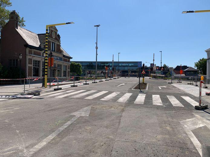 Het verkeer kan vanaf dinsdag via de Katelijnebrug de stad verlaten.