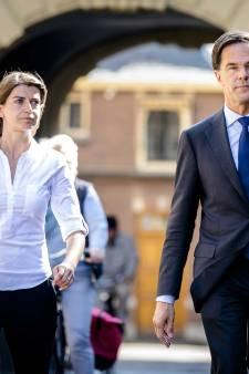 Rutte scoort onbedoeld met noodkreet 'Caroliene' tijdens black-out slotdebat