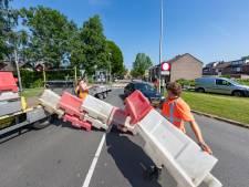 Blokkade weert sluipverkeer uit de Zuidert in Emmeloord