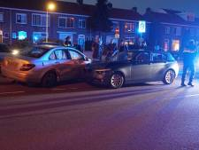 Lesauto komt in botsing met Mercedes in Deventer