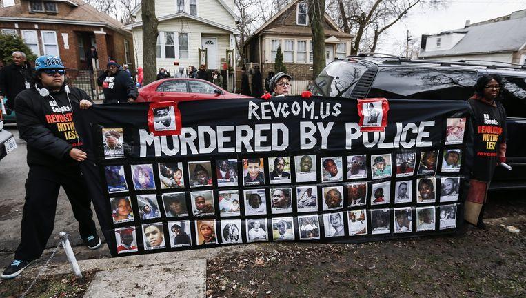 Protesten bij de locatie waar de 19-jarige Quintonio LeGrier werd doodgeschoten op 27 december. Beeld ap