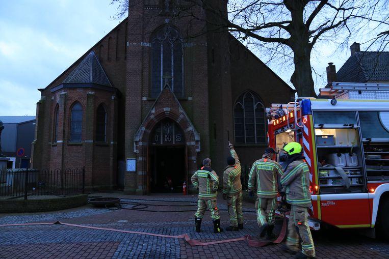 De brandweer van de post Kieldrecht bluste over de grens in het kerkje van Nieuw-Namen.