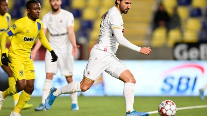 'Goddeloos' Antwerp ontsnapt aan nederlaag op Stayen na penaltygoal Refaelov in 94ste minuut