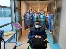 Tilburger (75) en Helmonder (51) verlaten als eerste Brabanders Gronings ziekenhuis